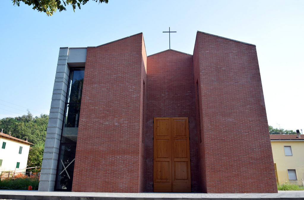 Sagginale---chiesa-Sacra-Famiglia---2016-03--mm